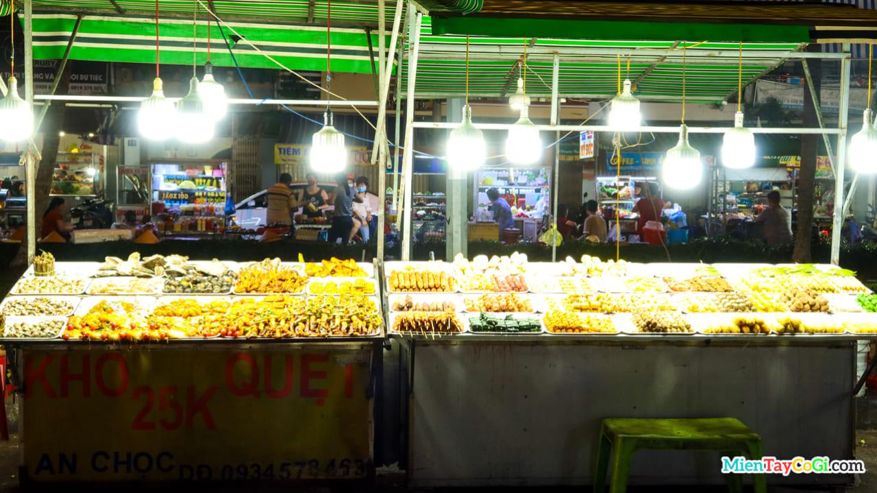 Hàng đồ nướng ở chợ đêm Cần Thơ