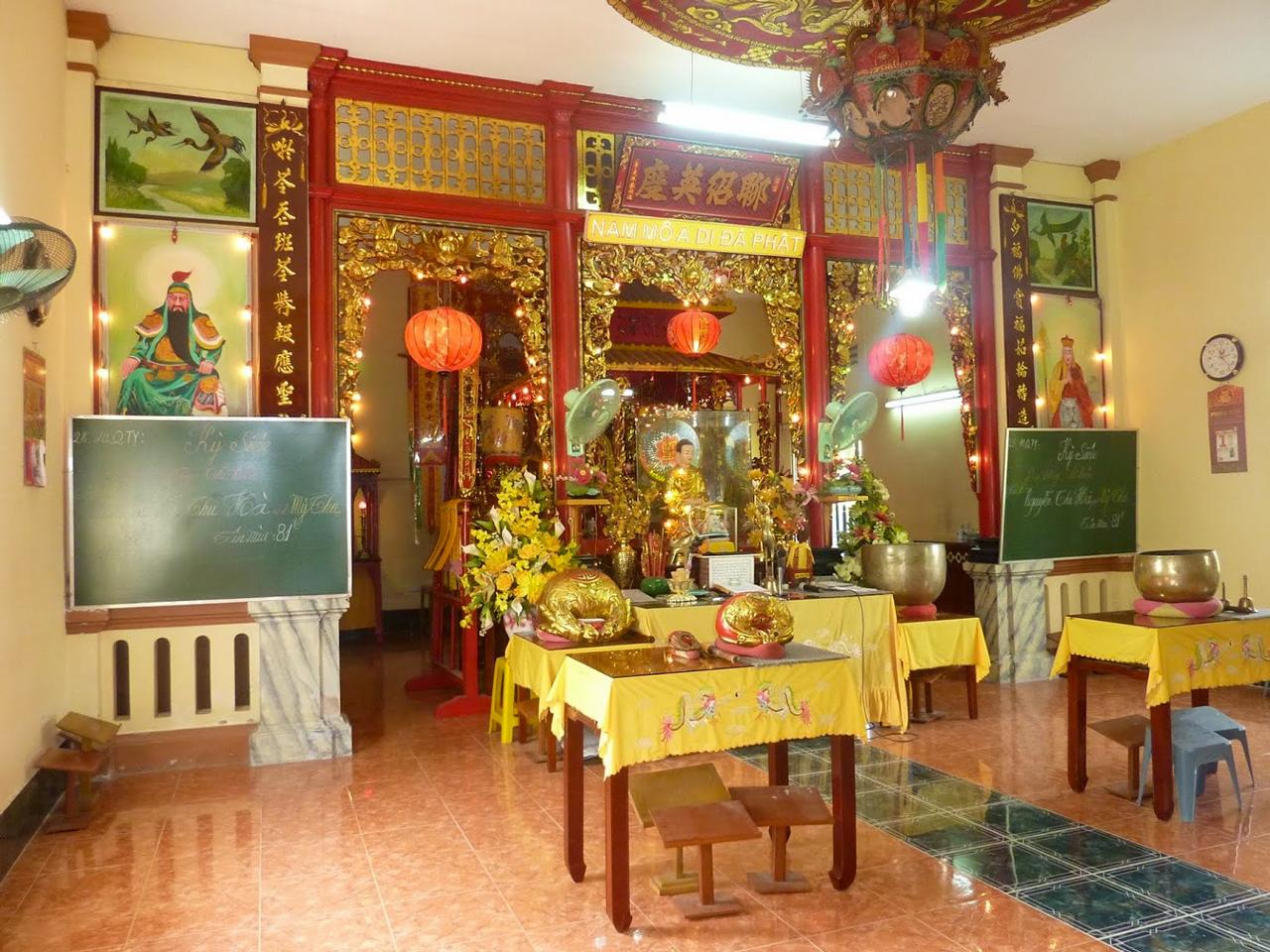 Không gian bên trong Chánh Điện chùa Hiệp Minh Cần Thơ