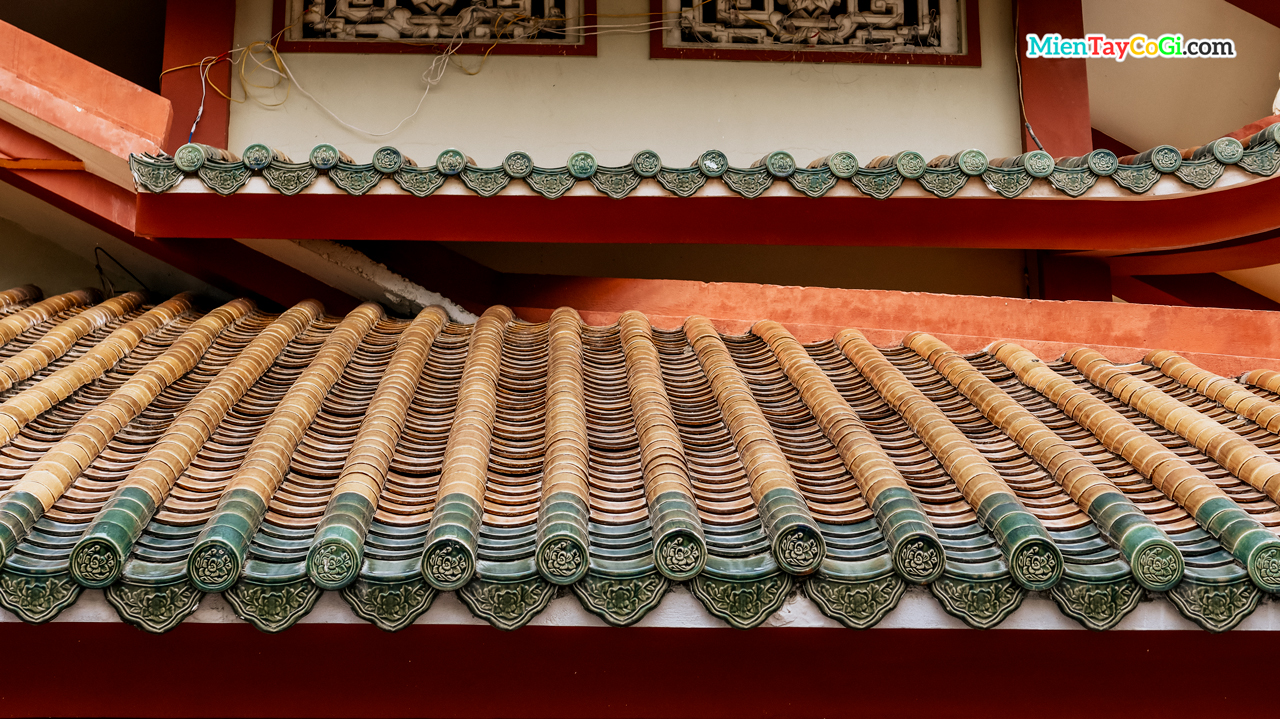 Kiến trúc ngói âm dương chùa Thiên Quang