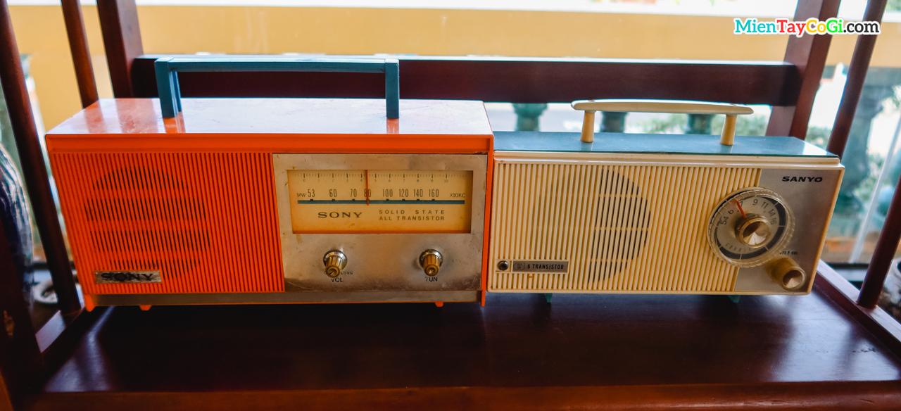 Máy hát hiệu Sony cổ