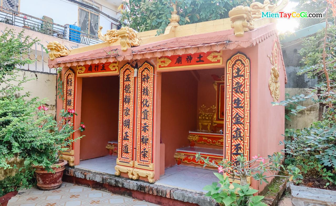 Miếu thổ thần chùa Quang Xuân