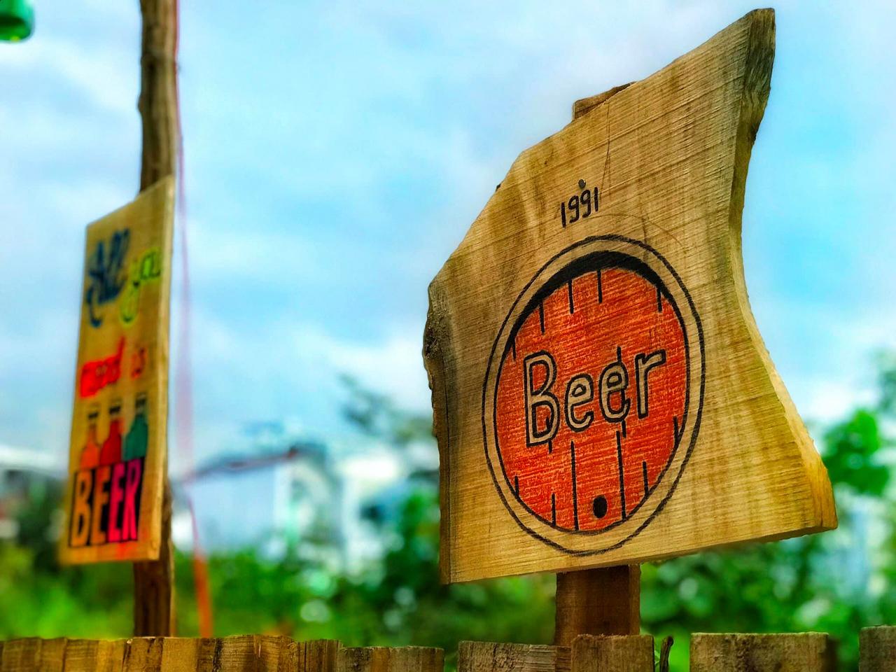 Những bảng hiệu trang trí thú vị của Tiệm ở kdc Hưng Phú