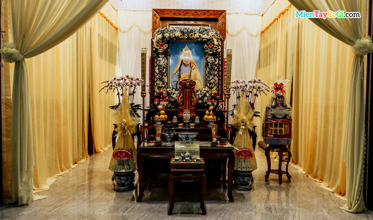 Nơi thờ Ni trưởng Thích Huệ Nghiêm chùa Thiên Quang - cố trụ trì chùa