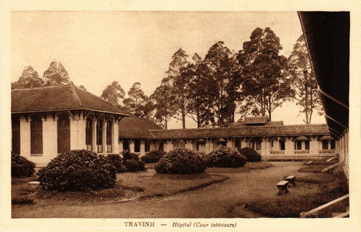 Sân bên trong bệnh viện ở Trà Vinh ngày xưa
