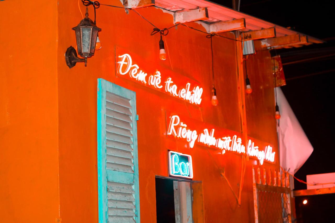 Slogan đêm về t chill của Tiệm Bia Nhà An
