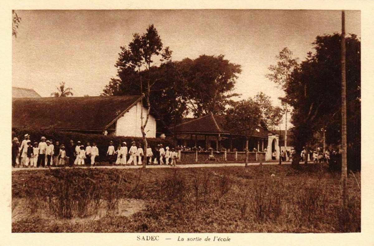 Tan trường ở 1 trường học Sa Đéc ngày xưa