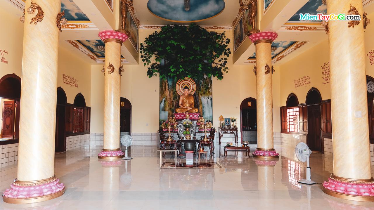 Tầng trên chánh điện chùa Bửu Pháp
