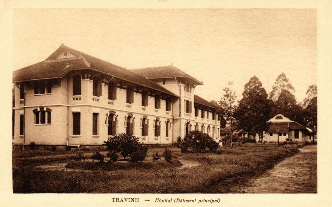 Tòa nhà chính của 1 bệnh viện ở Trà Vinh ngày xưa