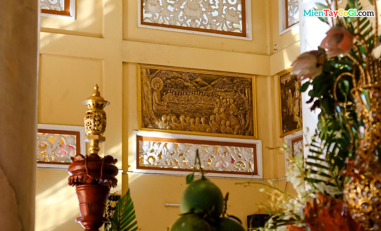 Bản khắc trên tường chùa Phước An về cuộc đời đức Phật