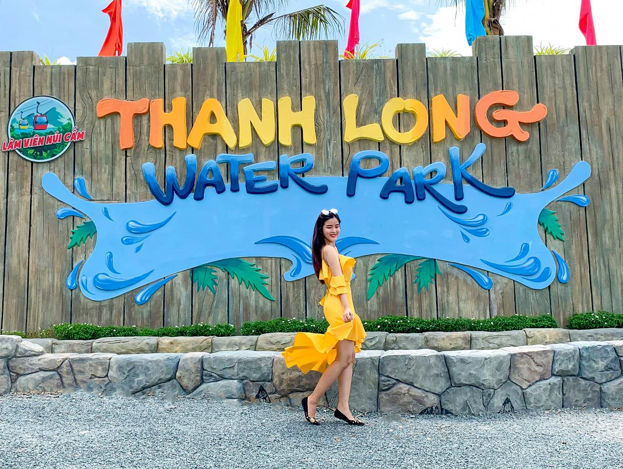 Bảng hiệu Thanh Long Water Park