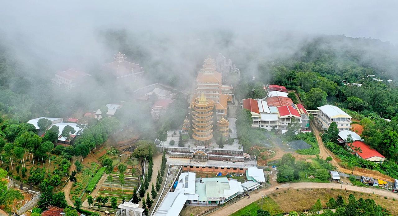 Chùa Vạn Linh 1 ngày sương phủ