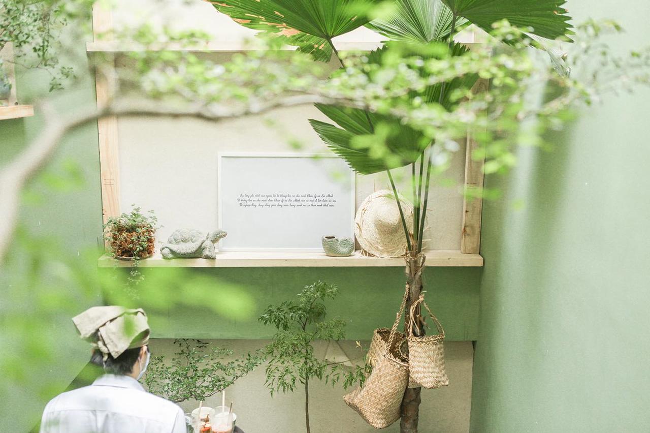 Không gian cà phê Hoa Yên như 1 studio thú vị