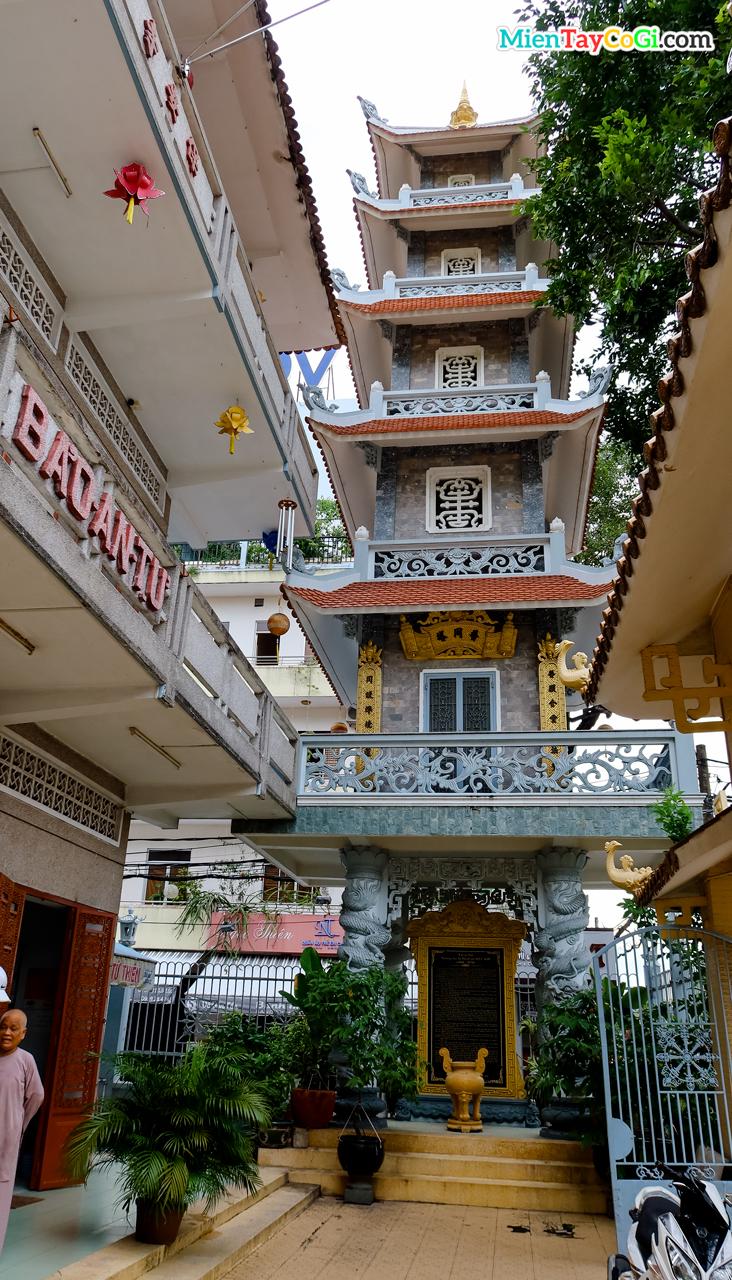 Tháp mộ chùa Bảo An Cần Thơ