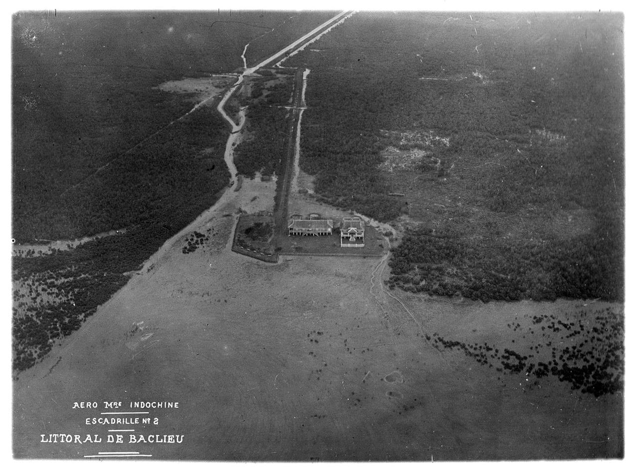 Ảnh vùng ven biển của Bạc Liêu (Ảnh trên không Đông Dương) năm 1930