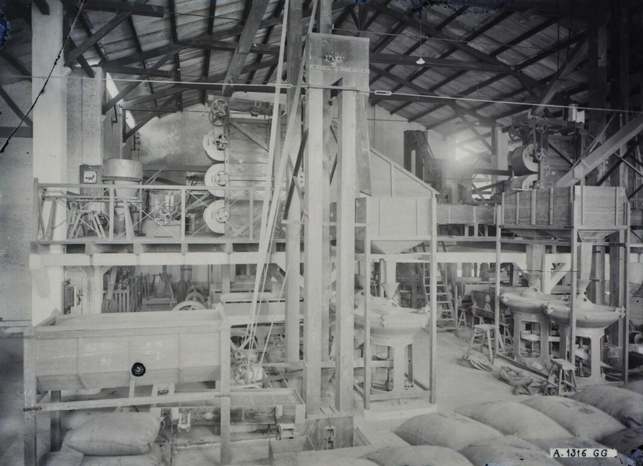 Nhà máy xay lúa Bạc Liêu