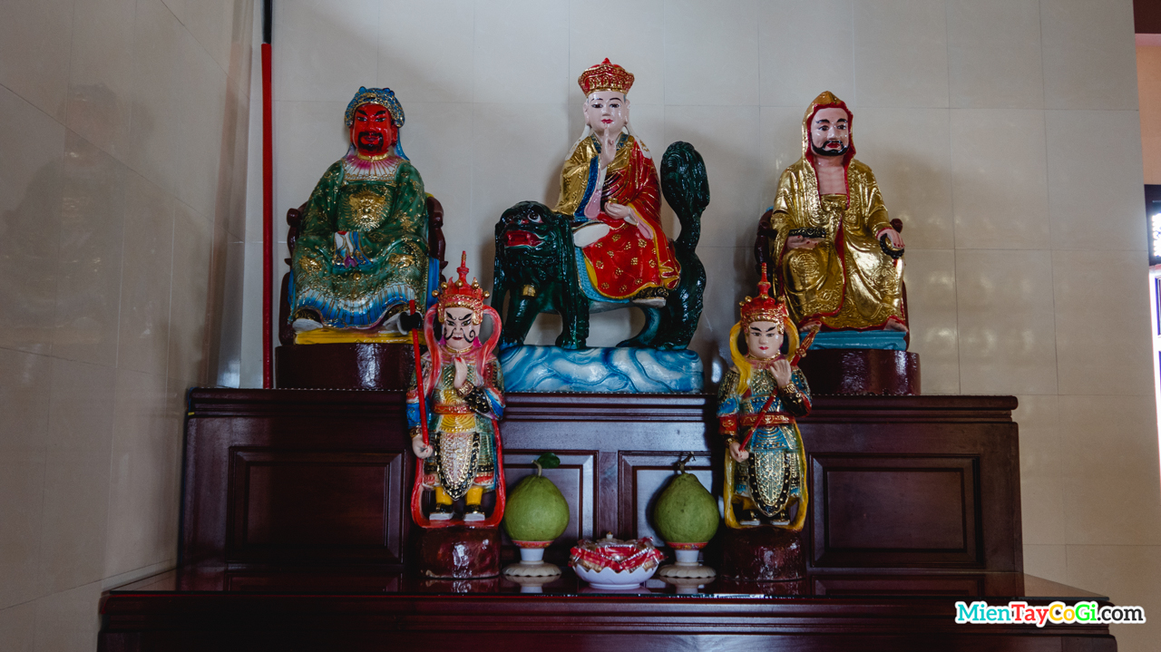 Những tượng Phật Cổ ở chùa Phước Long Tự