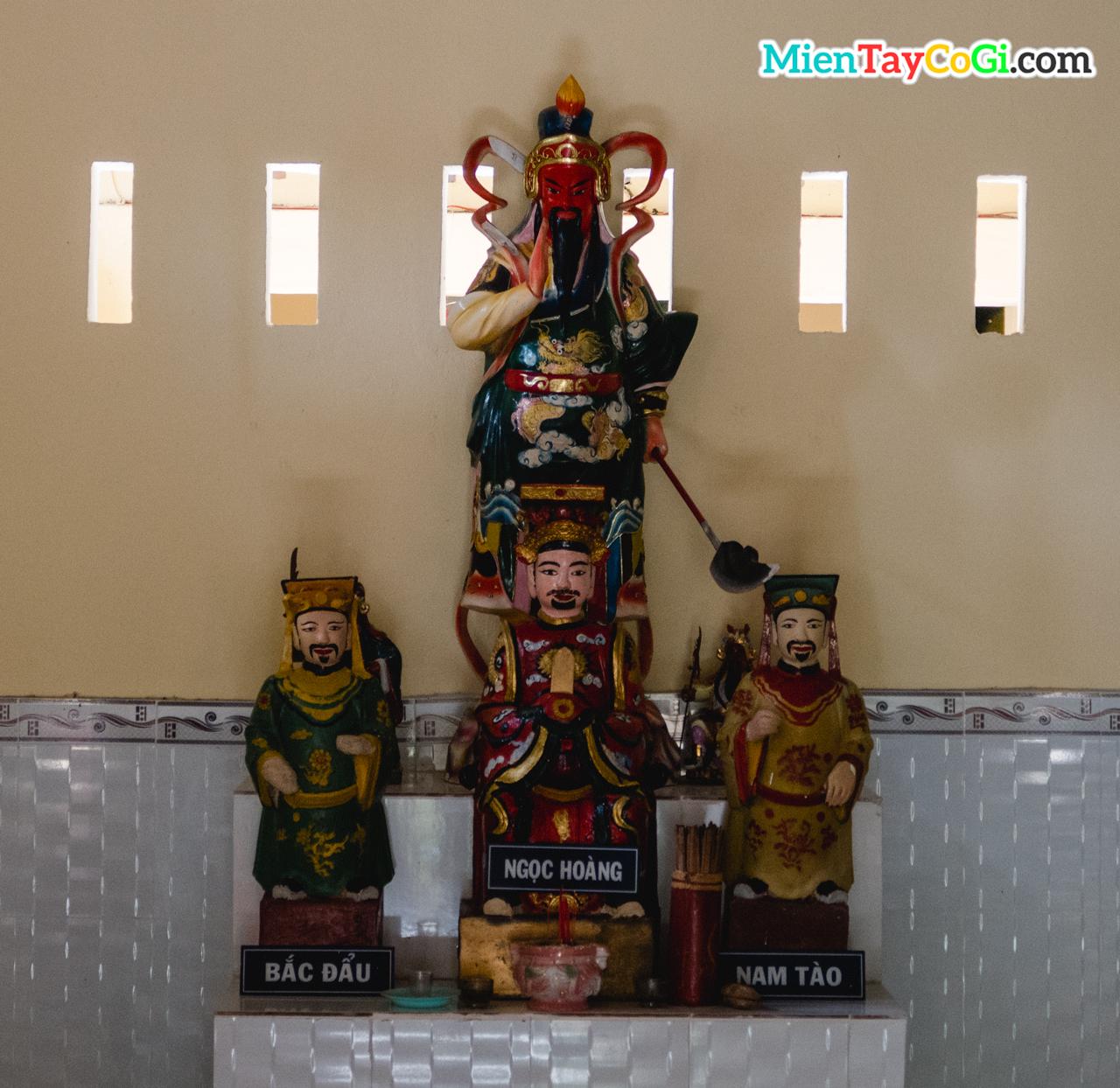 Tượng Ngọc Hoàng Đại Đại, Nam Tào, Bắc Đẩu và Quan Thánh