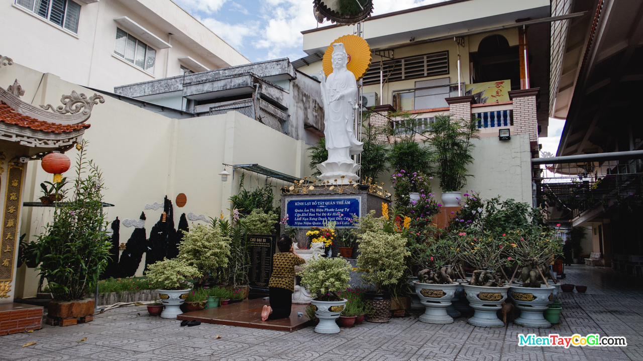 Tượng Quan Thế Âm Bồ Tát chùa Phước Long