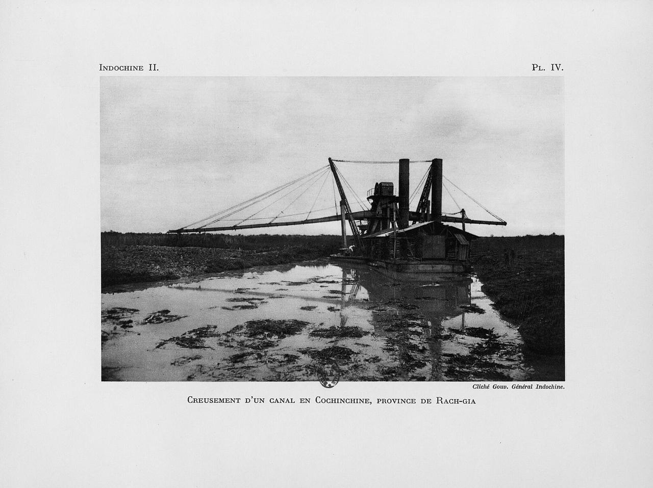 Bãi biển Rạch Giá được nạo vét ở Nam Kỳ năm 1931