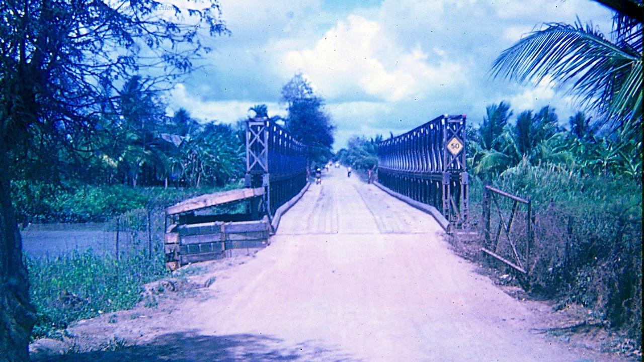 Cầu ở ngoại ô nối Đồng Tâm và Tân An