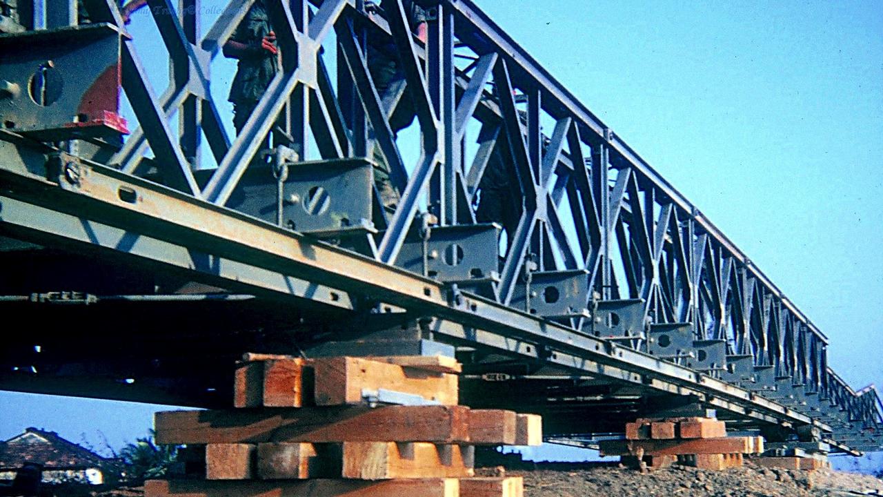 Cầu Bến Lức được Mỹ thi công xây dựng khi cầu của Pháp xây trước đây bị hư hại bởi chiến tranh (Phần thân cầu)