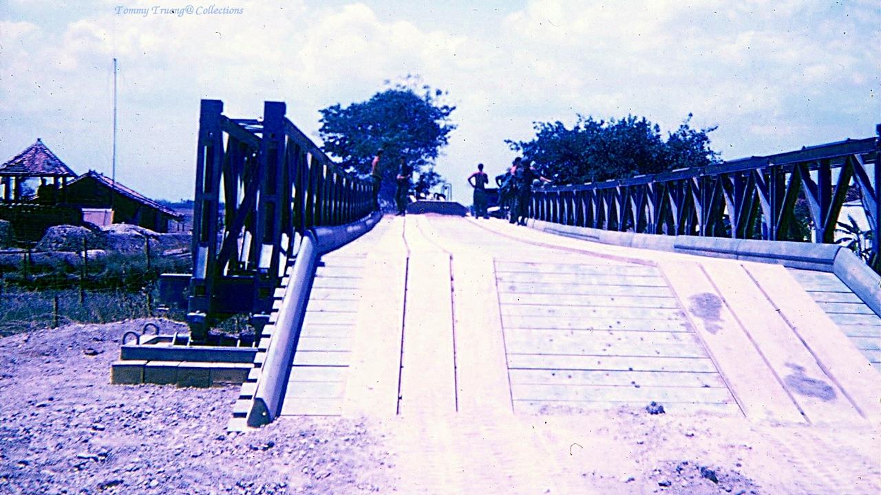 Cầu Bến Lức được xây dựng mới thay thế cầu cũ bị hủy