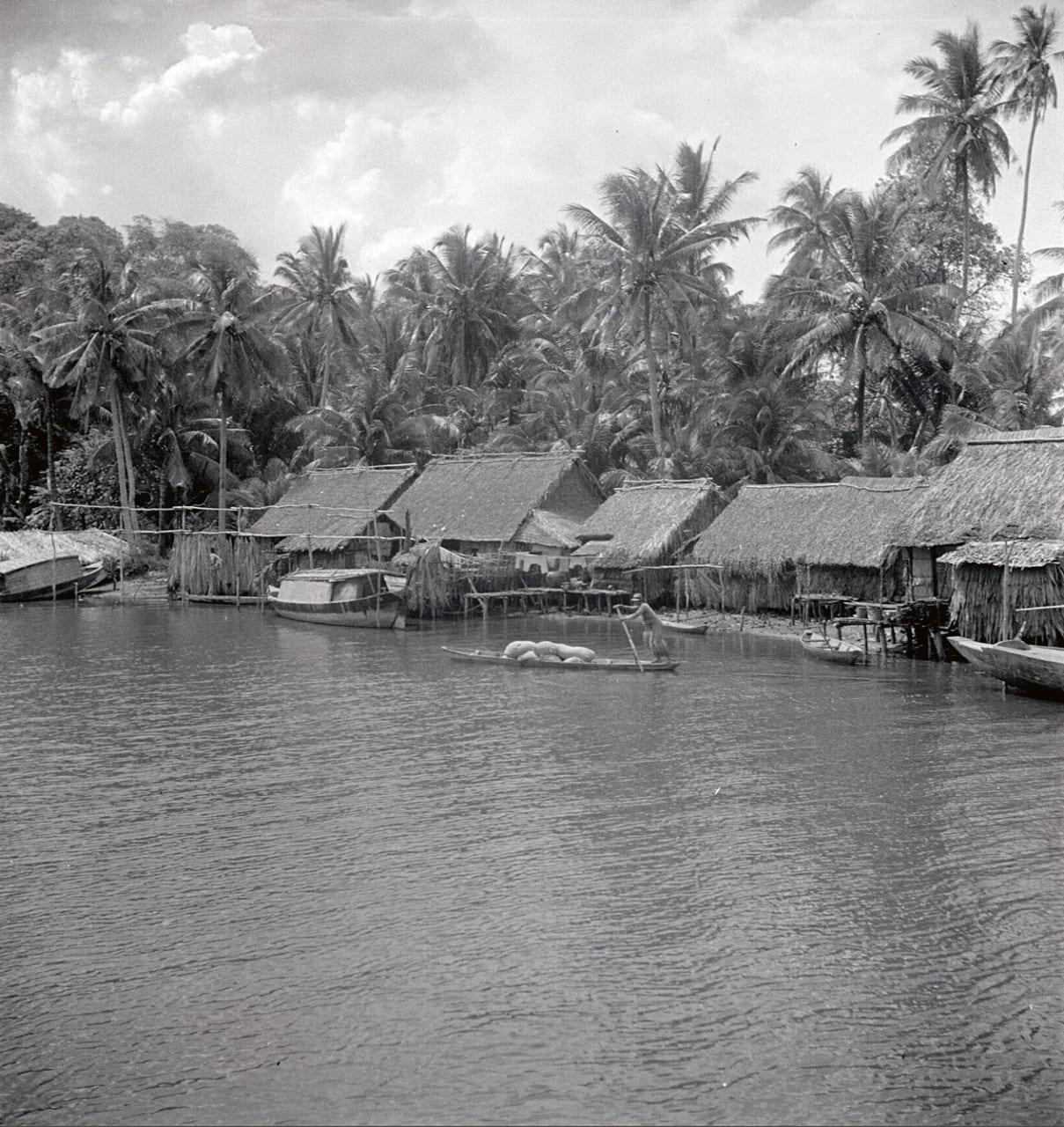 Làng ven sông ở Hà Tiên - Kiên Giang