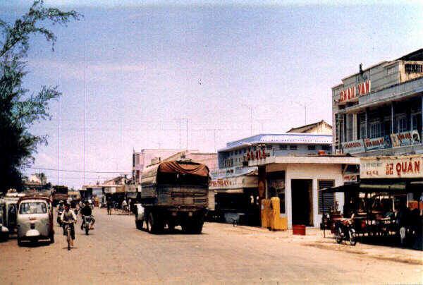 Đại lộ Phó Cơ Điều - Rạp hát Châu Văn năm 1968 (Nay là đường Trần Phú)