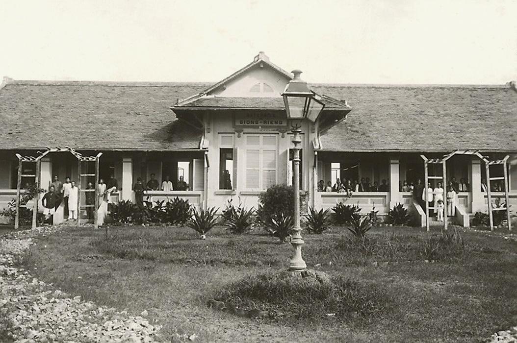 Nhà hộ sinh Giồng Riềng năm 1921 - 1935