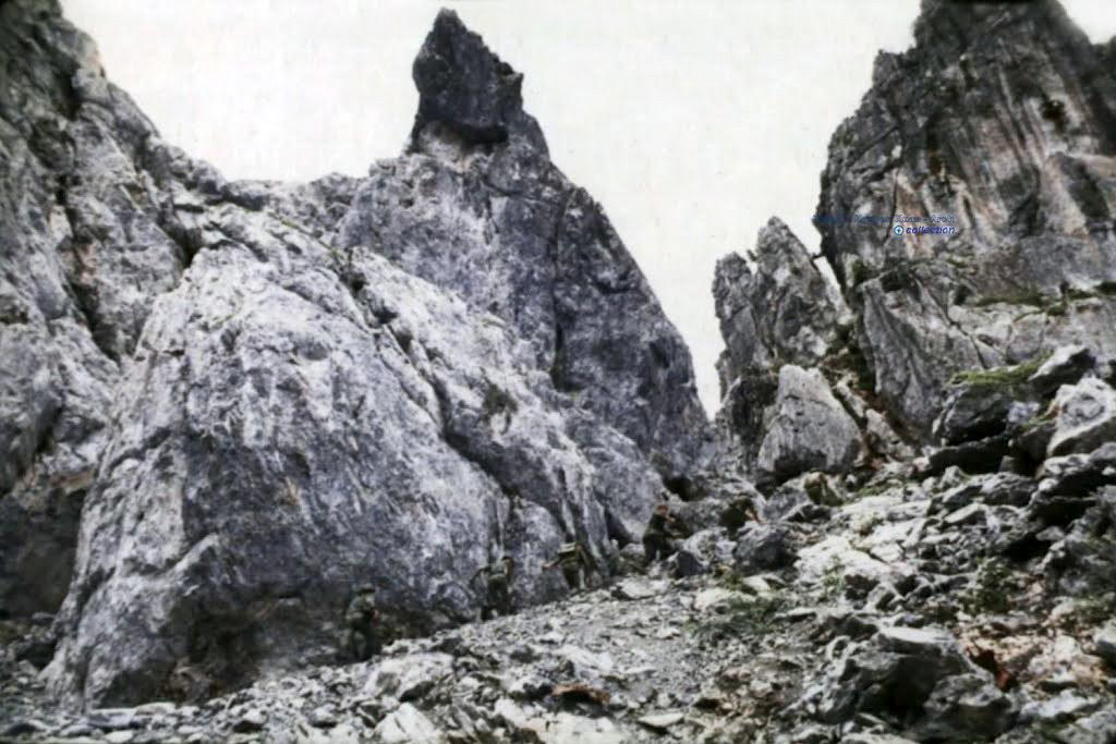 Núi Hang Cây Ớt - Lò Vôi - Kiên Giang 10/1/1971 - Photo by Rockoff