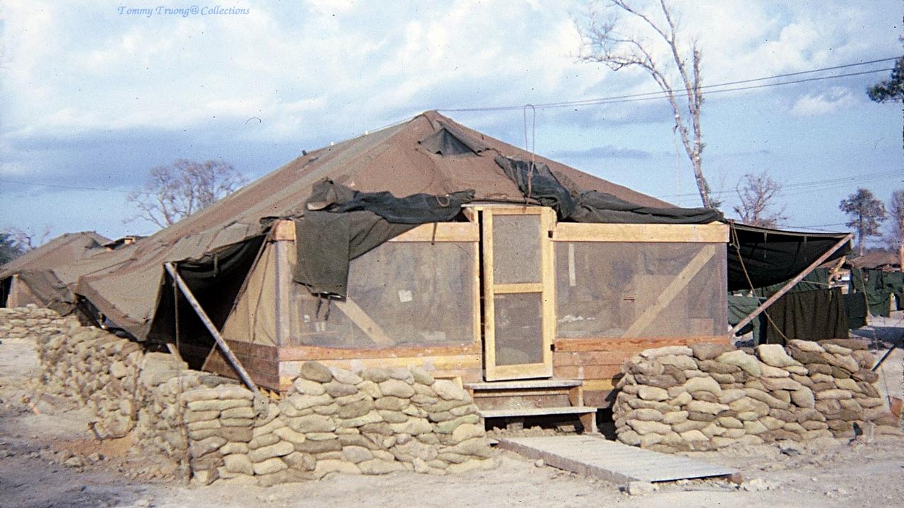 Lều trại quân đội Mỹ cắm ở vùng ven sông năm 1966 - 1967 | Photo by Jackson
