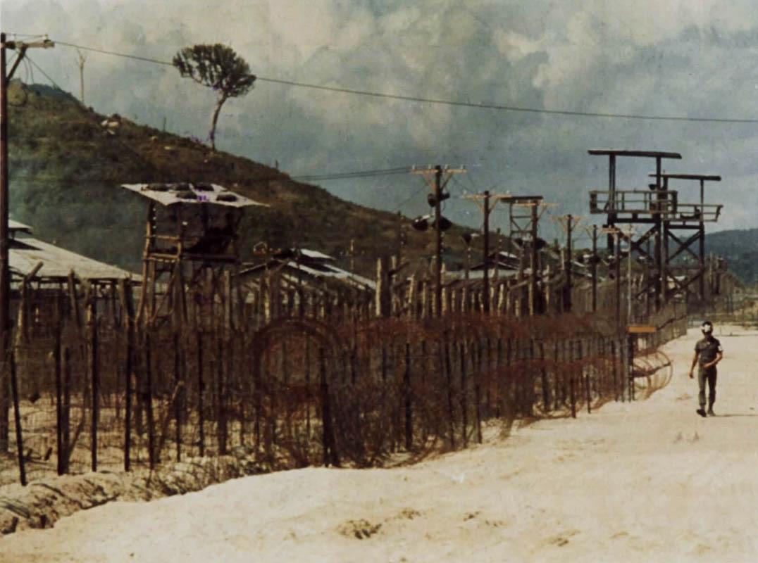 Quân cảnh và các biện pháp an ninh bảo vệ khu Tân Sinh Hoạt và tù binh cốt cán