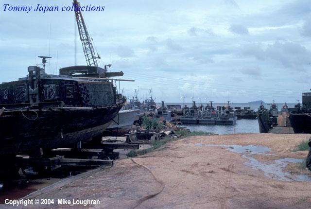 Bến cảng An Thới ở Phú Quốc - Photo by Mike Loughran năm 1971
