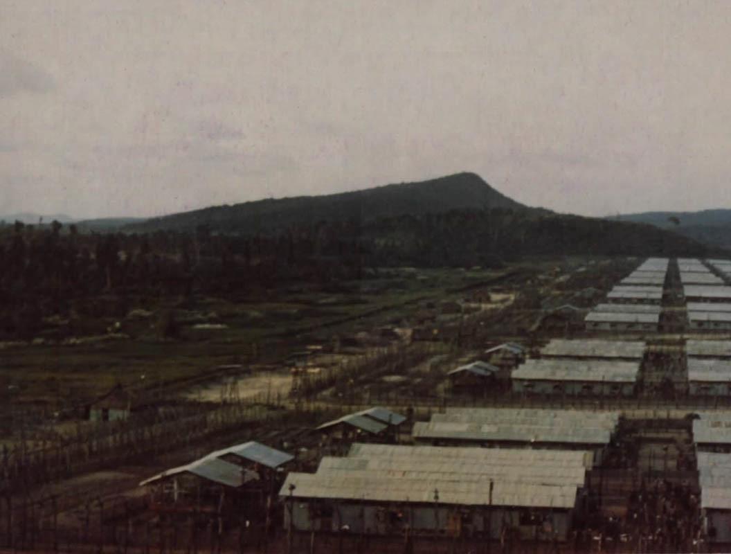 Trại tù binh Phú Quốc lúc chiều xuống