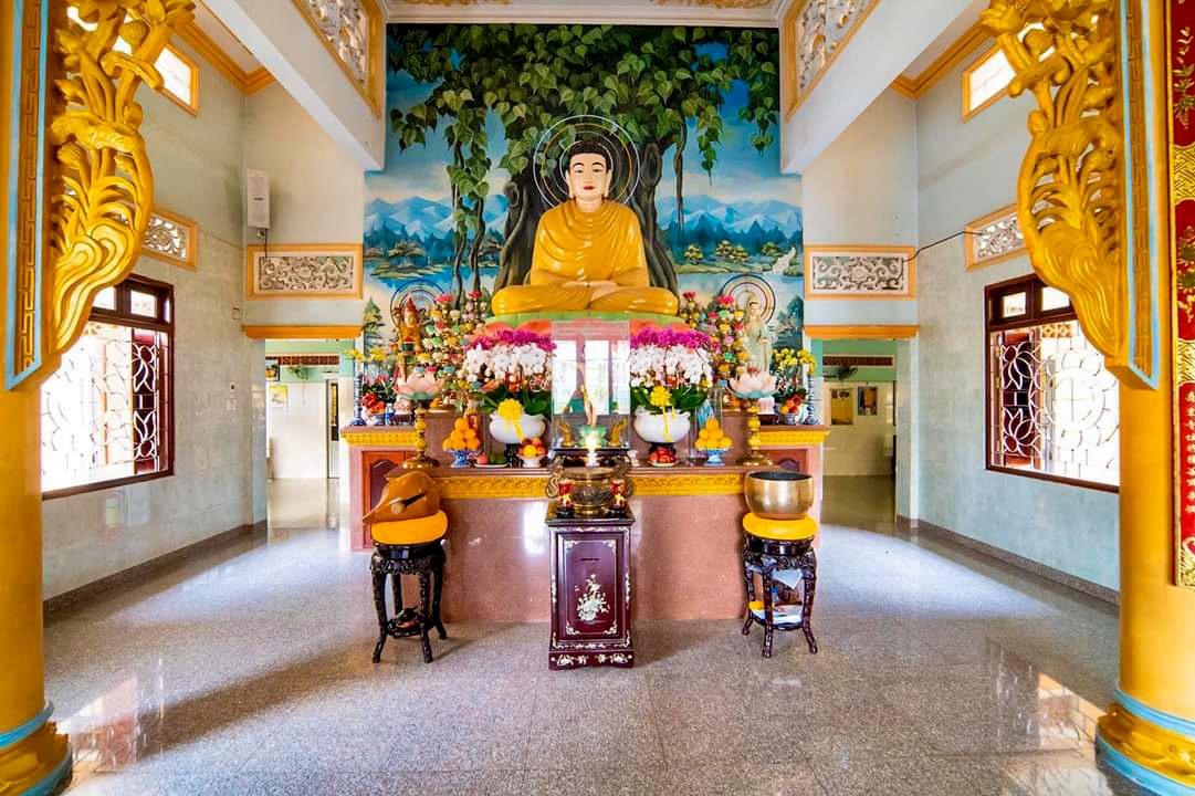 Kiến trúc bên trong Chánh điện chùa Xà Tón An Giang
