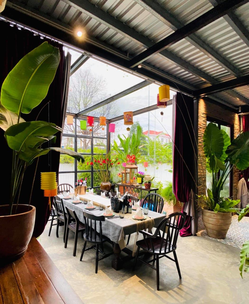 Phong cách green sang trọng của nhà hàng cao cấp Red Door