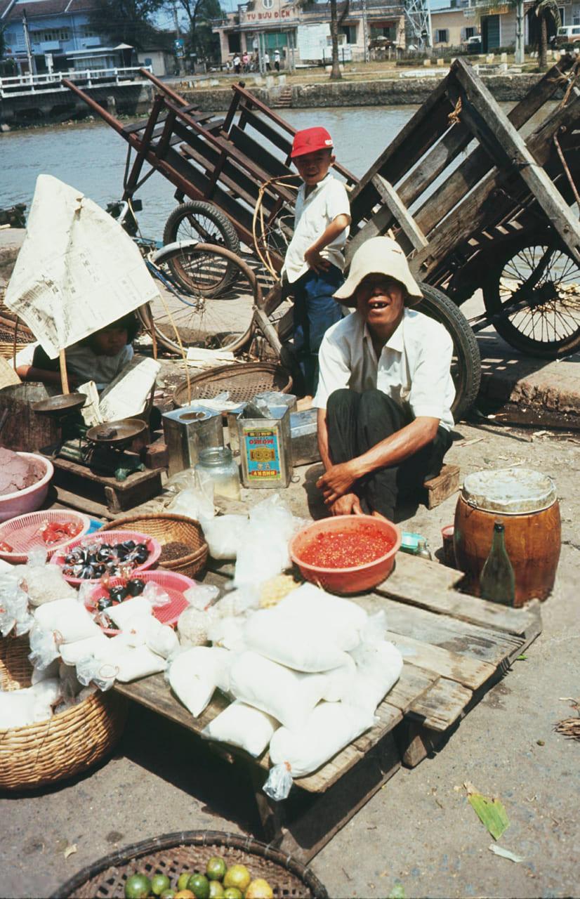 Người bán hàng ở chợ Rạch Giá