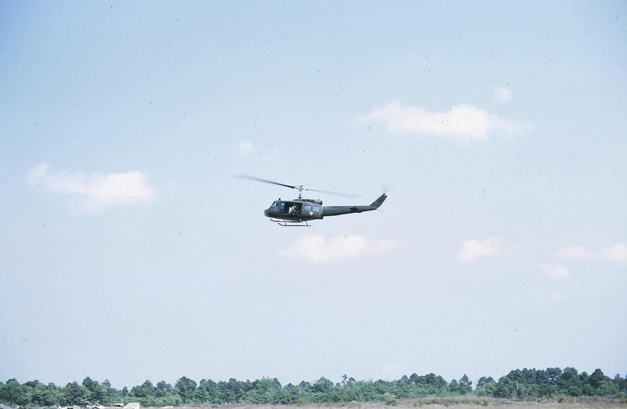 Trực thăng bay qua địa phận tỉnh Vĩnh Long | Photo by J.Neal Jednoralski