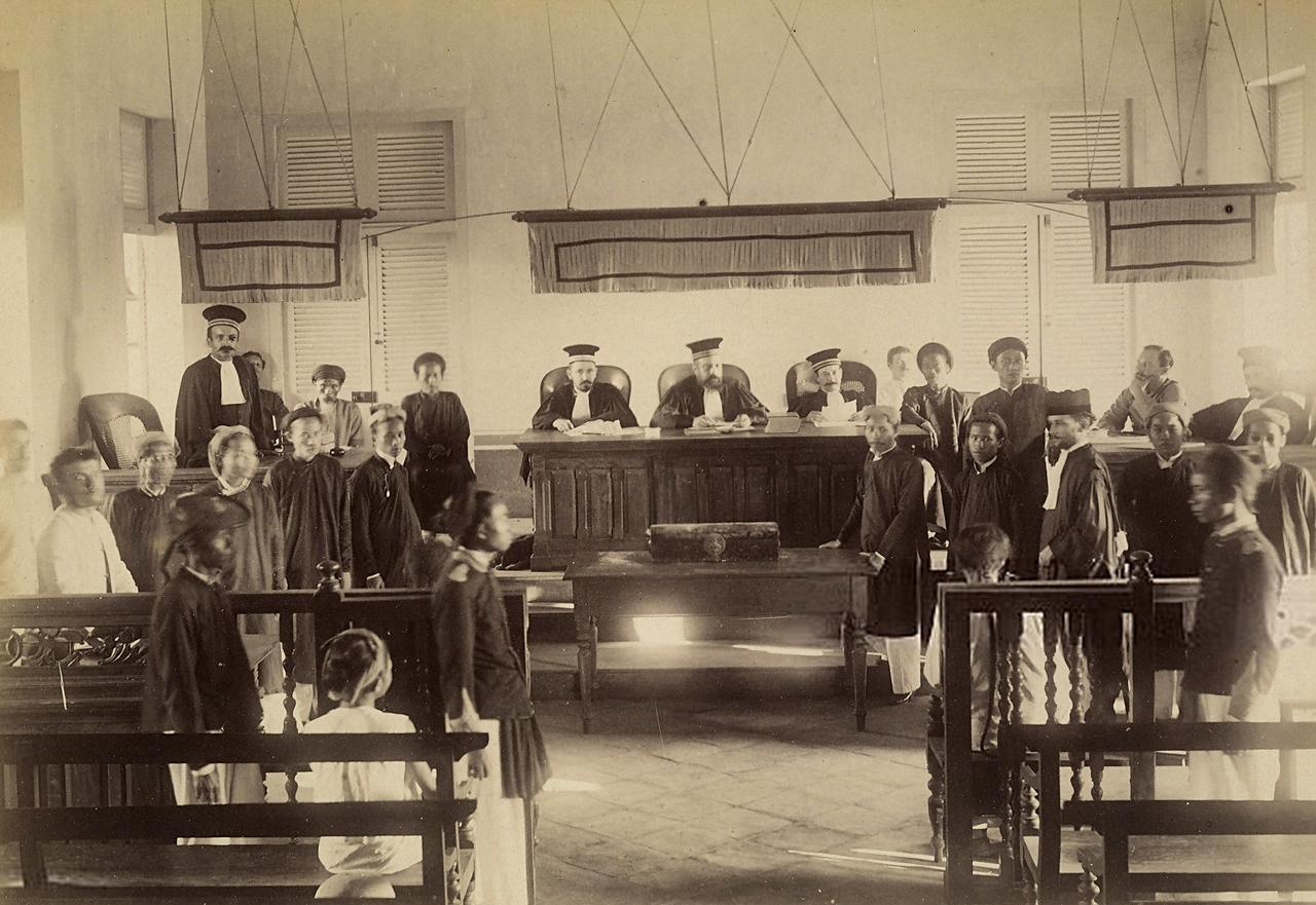 Cảnh một phiên tòa xét xử ở Vĩnh Long năm 1885