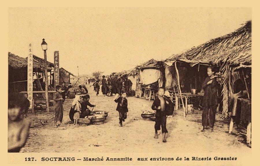 Chợ của người Việt Nam gần nhà máy xay lúa Gressier