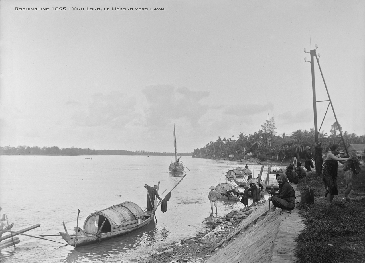 Sinh hoạt ven sông ở Hạ lưu sông Mekong Vĩnh Long năm 1895 | Salles Andre