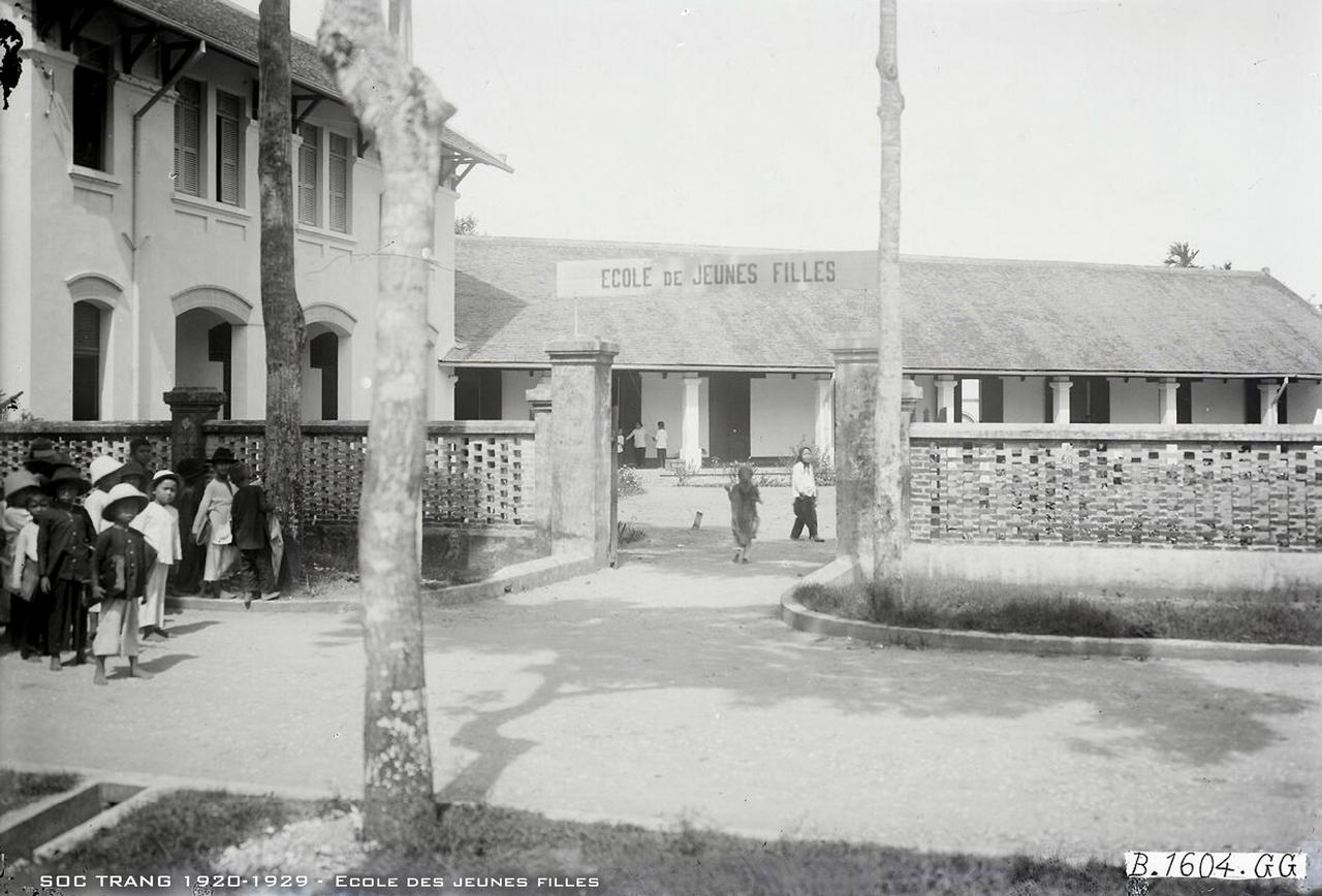 Trường nữ sinh tiểu học Sóc Trăng thập niên 1920s