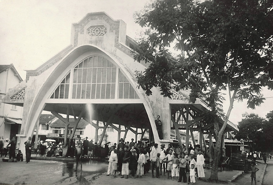 Trước chợ Sóc Trăng thập niên 1920s - 1930s