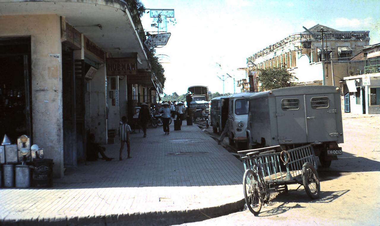 Hình ảnh đường phố Vĩnh Long năm 1967 - 1968