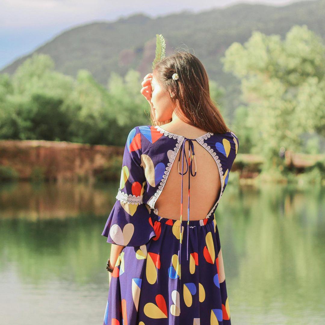 Ánh nắng buổi sáng giúp hình ảnh long lanh hơn ở hồ Tà Pạ