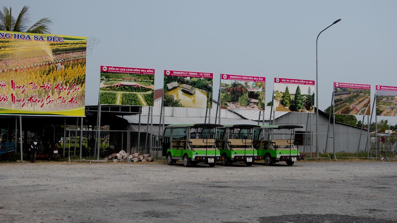 Bãi xe điện ở Làng Hoa Đồng Tháp 2021