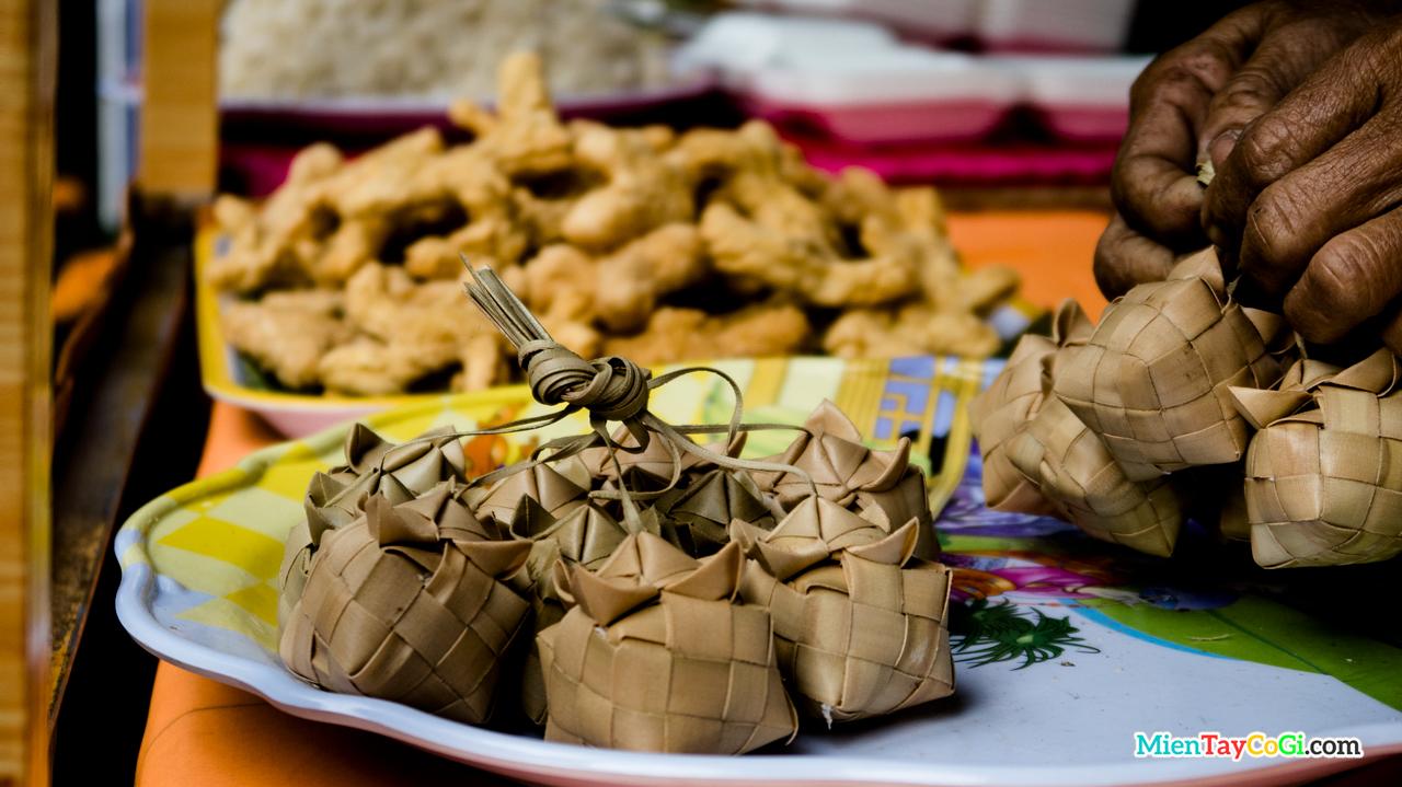 Bánh kà tum đặc sản người Khmer Nam Bộ