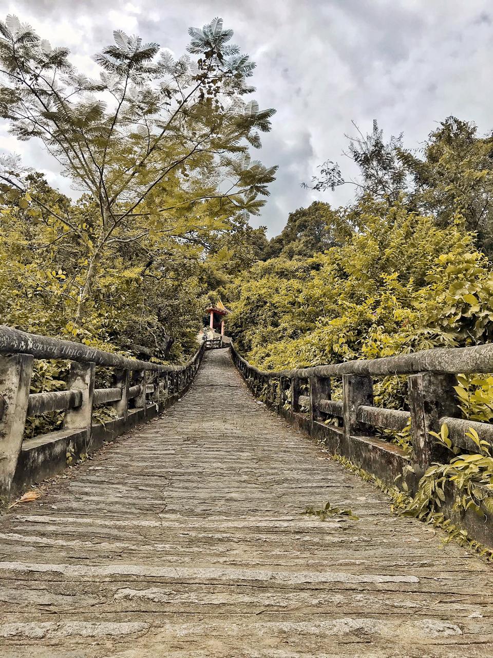 Con đường lên chùa
