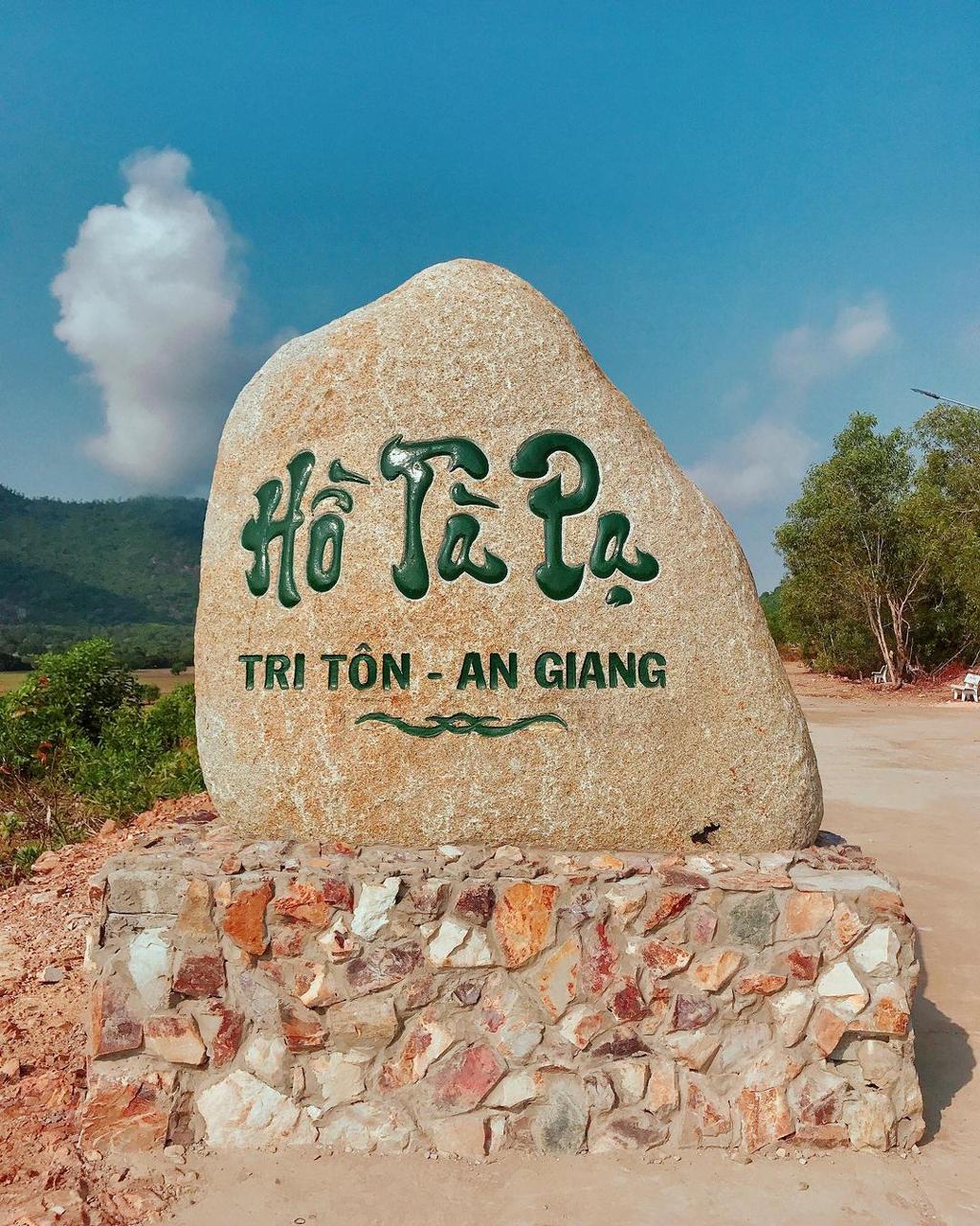 Điểm du lịch hồ Tà Pạ An Giang