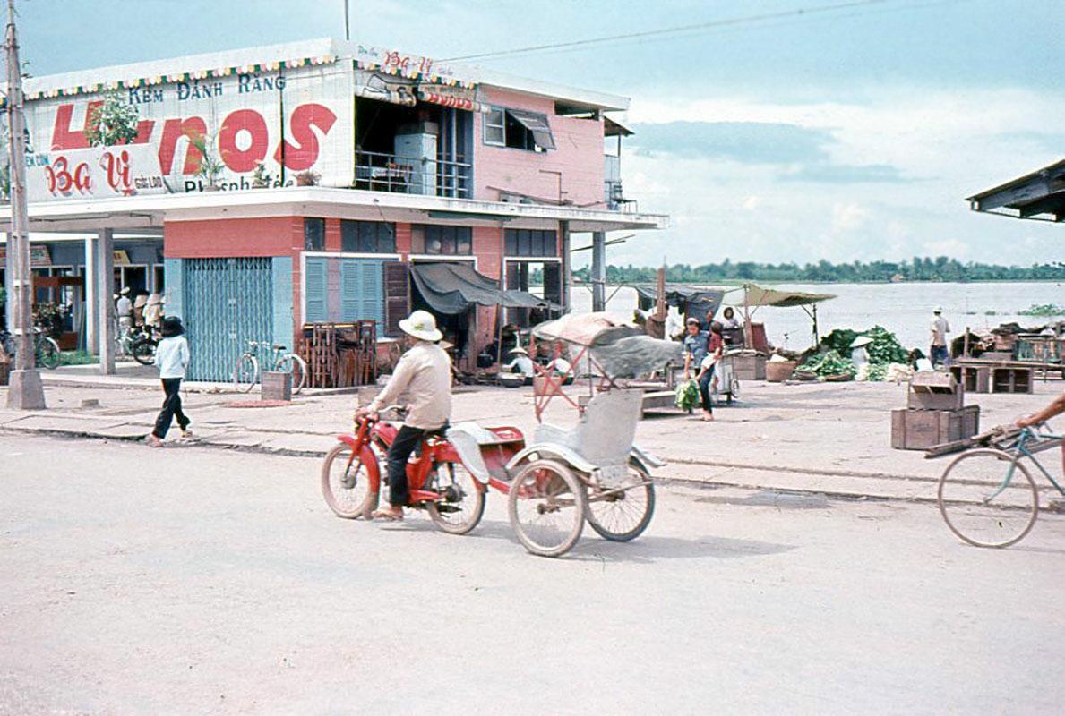 Đường phố Vĩnh Long thập niên 1920s